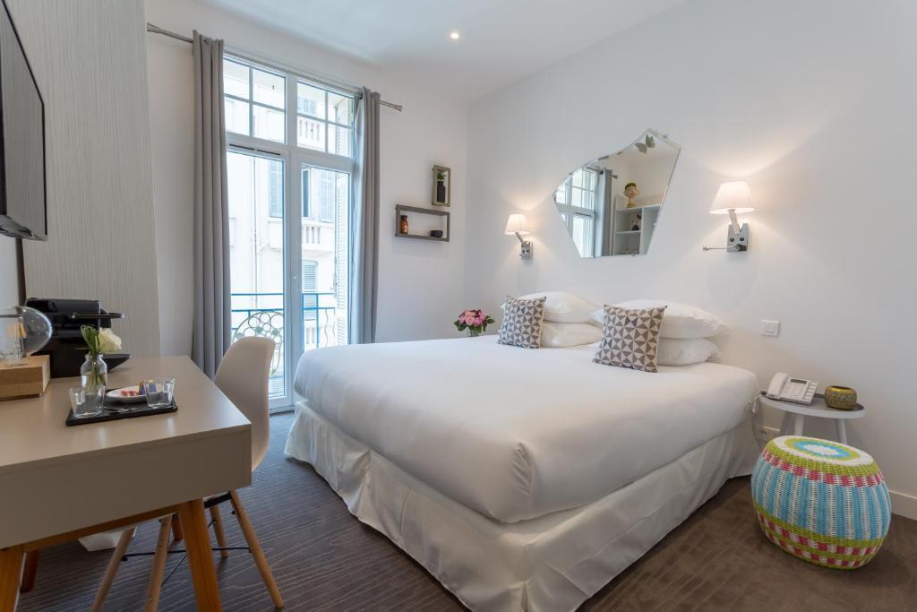 Отели Канн в районе вокзала: Hôtel Simone Канны 10 мест, куда можно поехать из Канн 74122917