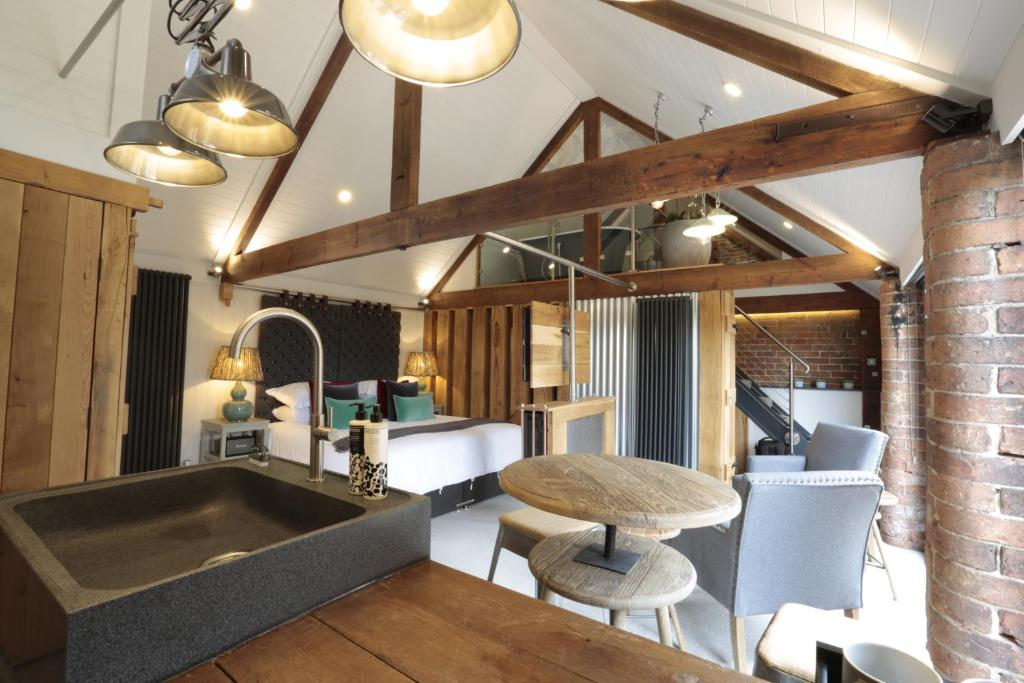 The lounge or bar area at Blacksmiths Clayworth