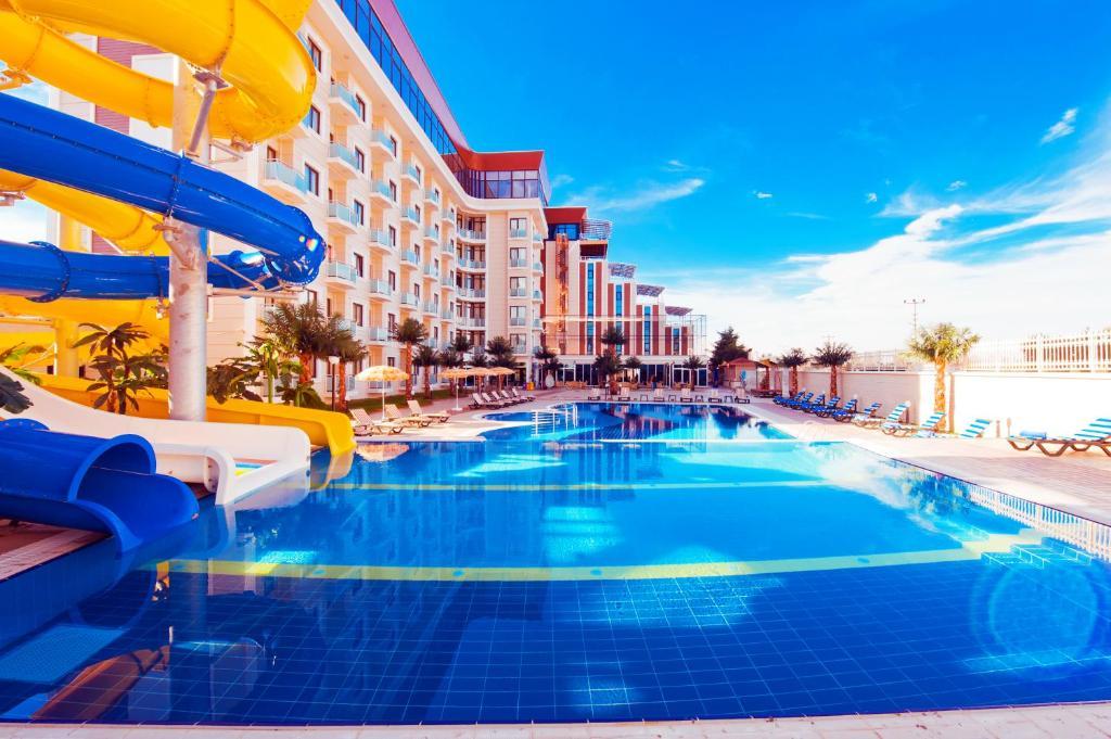 مدينة ملاهي مائية في الفندق أو بالجوار