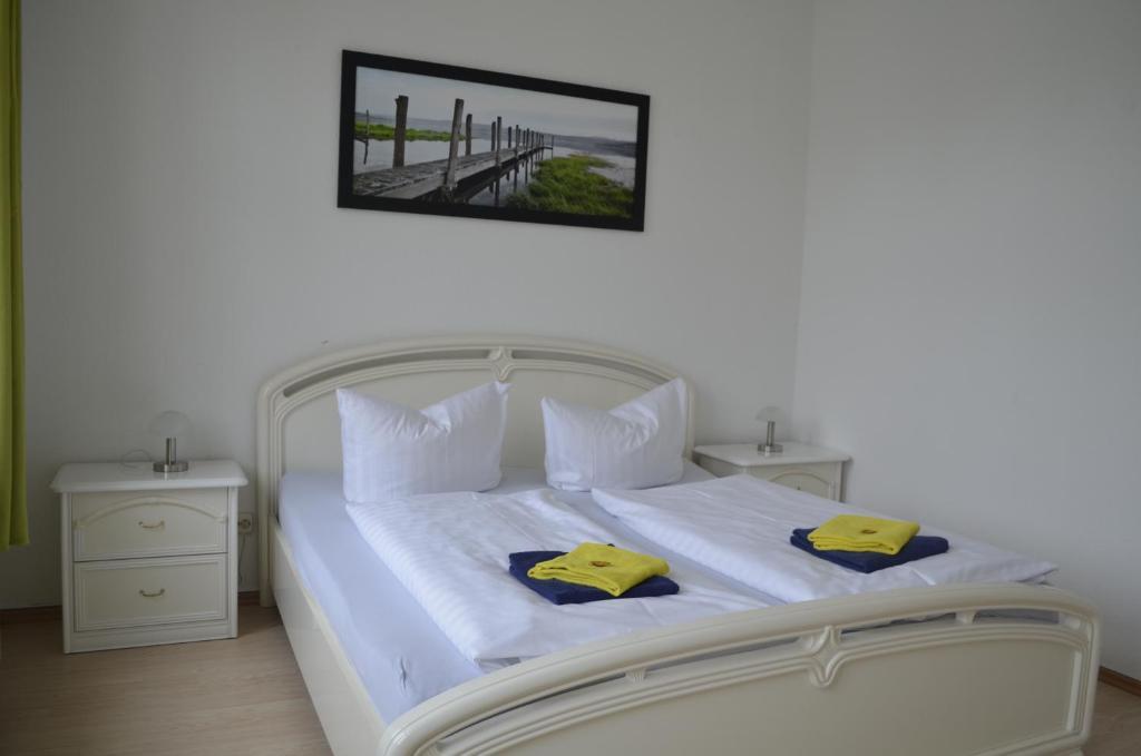 Ein Zimmer in der Unterkunft Apartment-Hotel Schillerplatz
