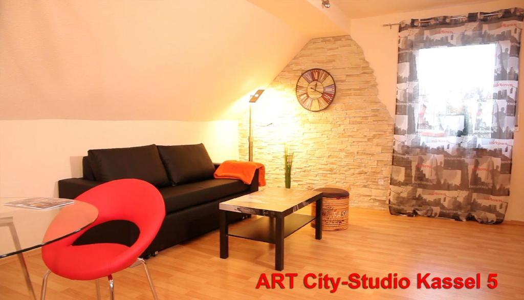 Ein Sitzbereich in der Unterkunft Art City Studio Kassel 5