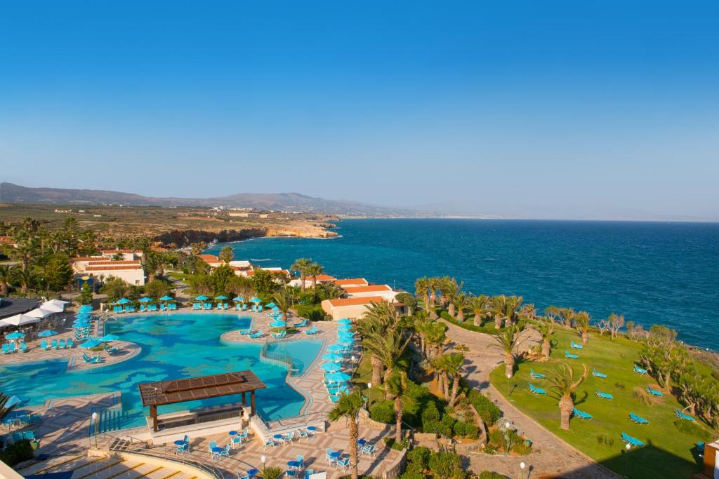 A view of the pool at Iberostar Creta Panorama & Mare or nearby