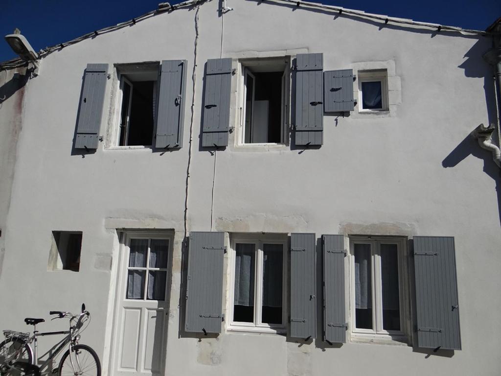 Vacation Home Maison Rétaise Près De La Plage Saint Clément