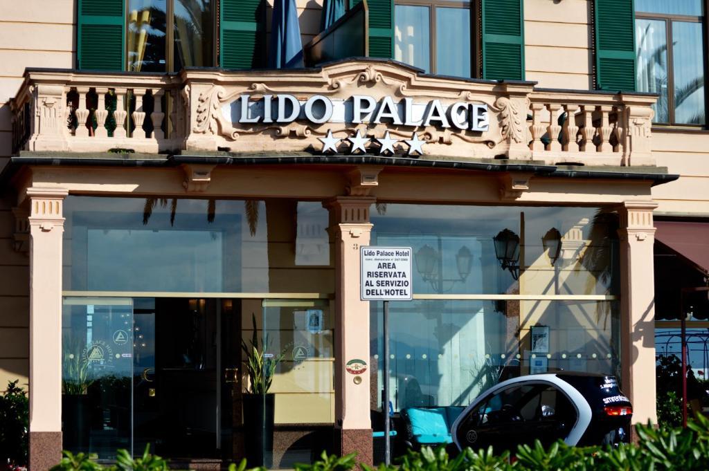 The facade or entrance of Lido Palace Hotel