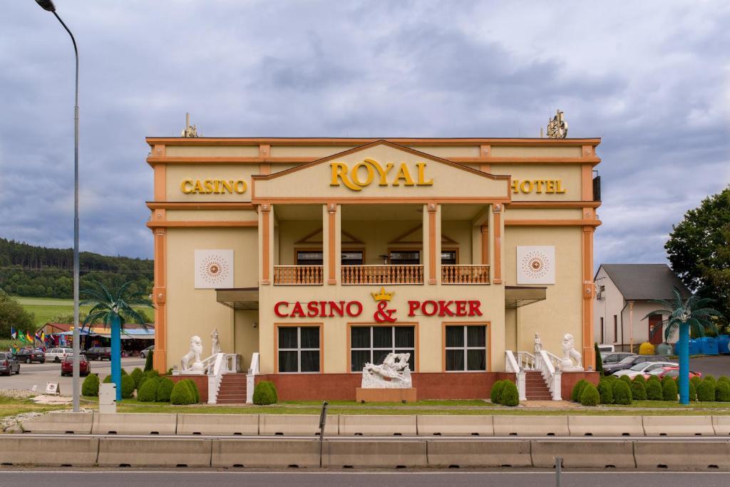 Hotel Und Casino Royal Admiral Ceska Kubice Czech Republic