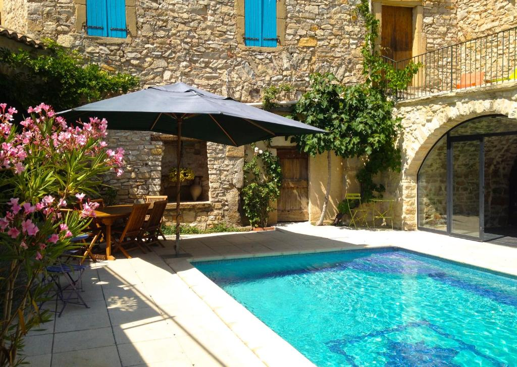 The swimming pool at or close to L'Autre Maison