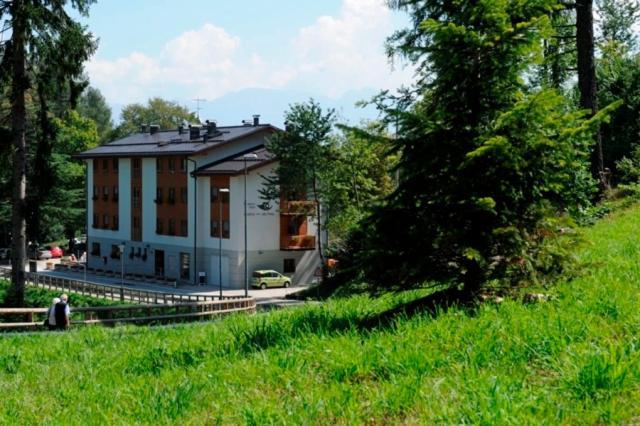 Residence Hotel Candriai Alla Posta