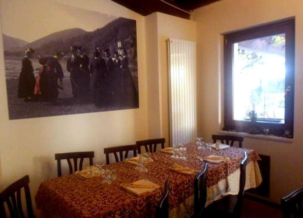 A restaurant or other place to eat at Antica Dimora Fuori Le Mura