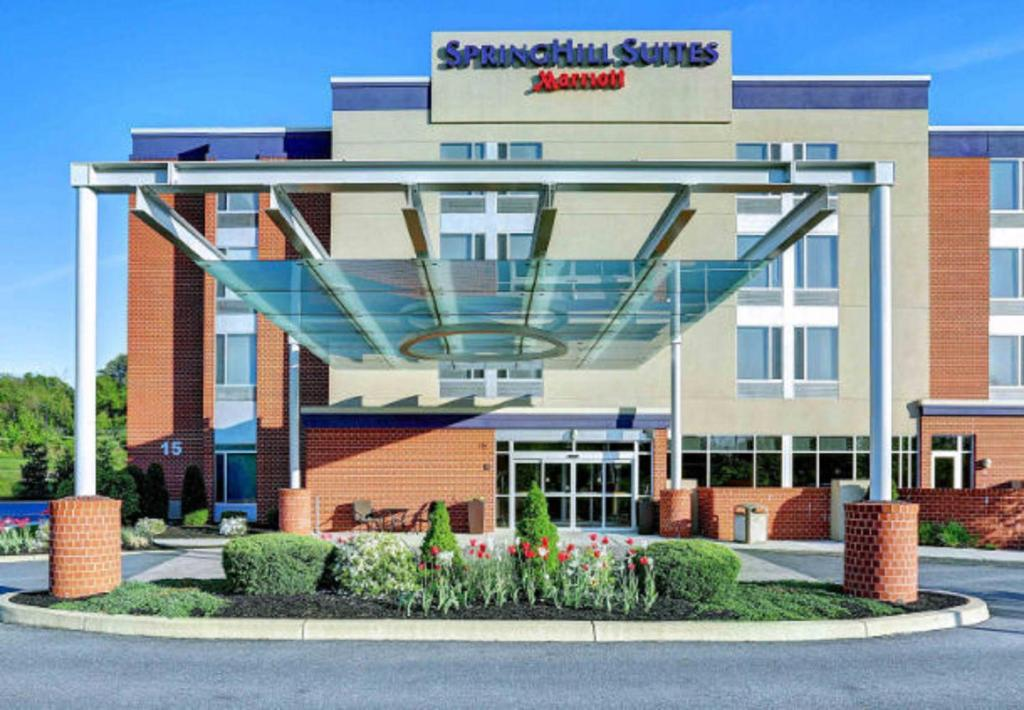 The facade or entrance of SpringHill Suites Harrisburg Hershey