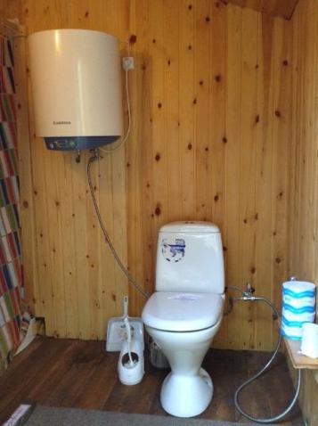 A bathroom at Lesnaya 7