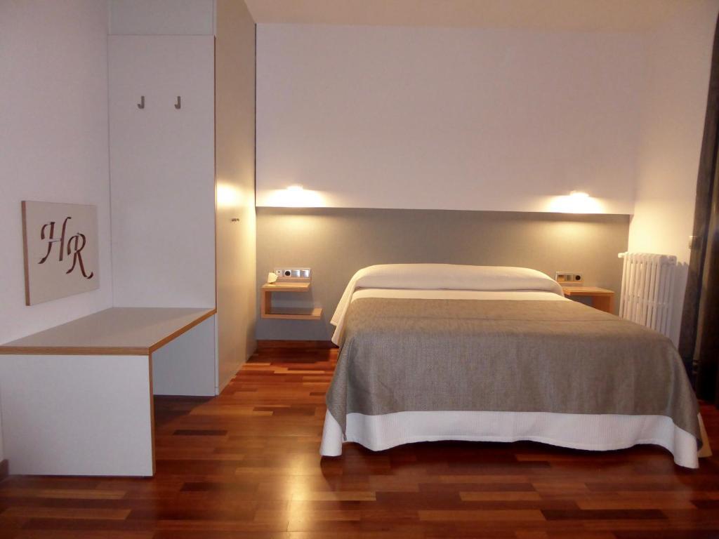 Hotel Robert, La Pobla de Claramunt (con fotos y opiniones ...