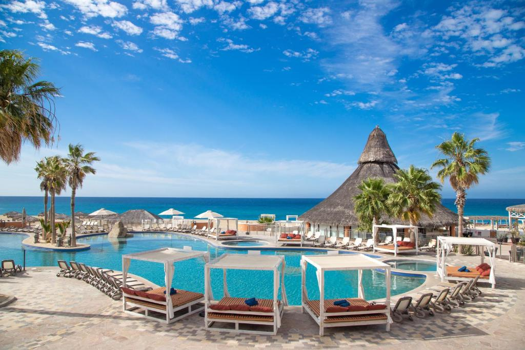 The swimming pool at or near Sandos Finisterra Los Cabos All Inclusive Resort