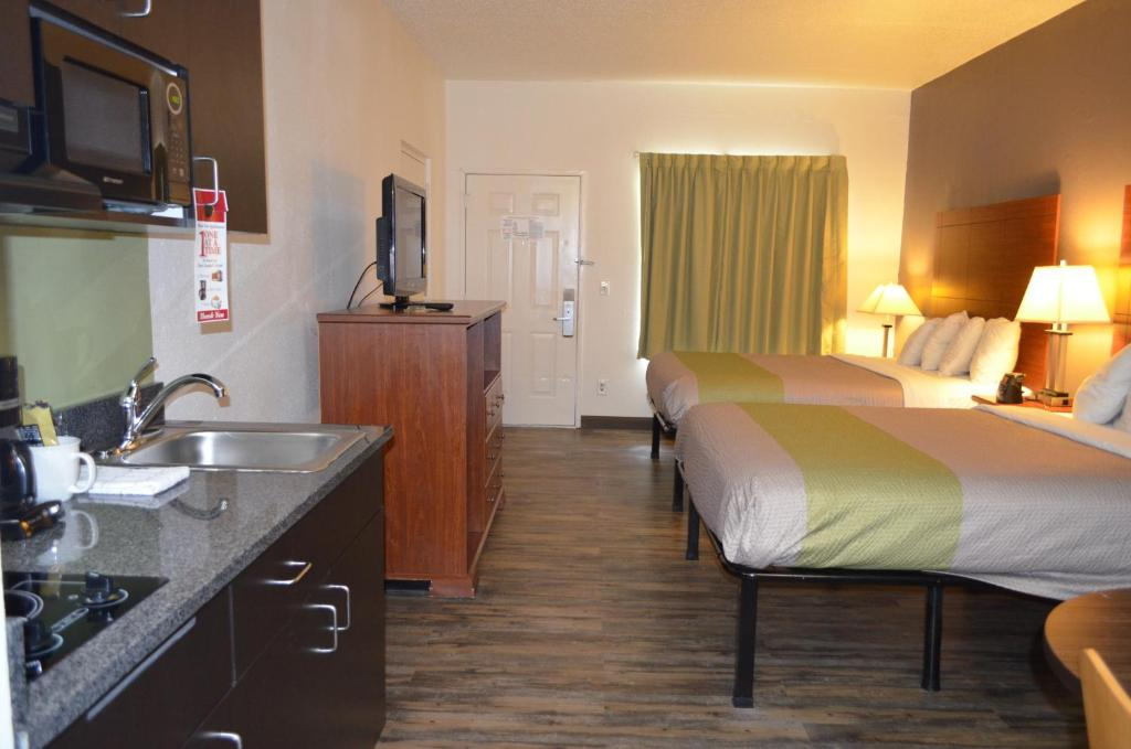 Quality Suites Chattanooga