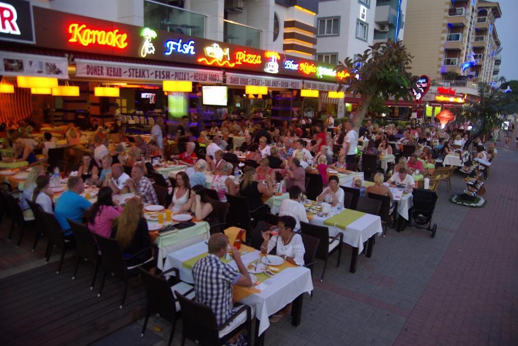 Ресторан / где поесть в Delfino Buti̇k Otel