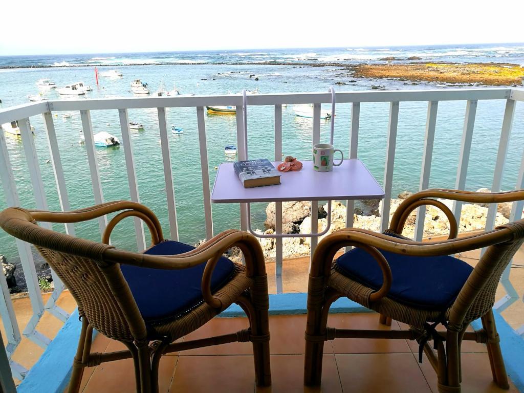A balcony or terrace at Perla del Atlantico