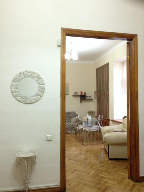 Apartment On Pasteur