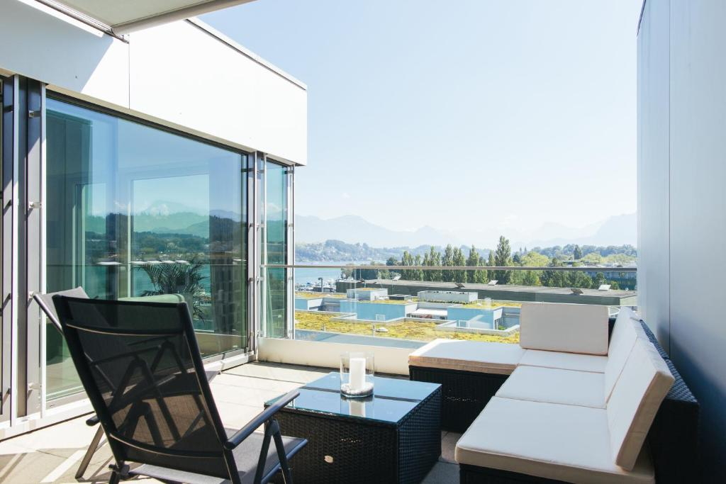 A balcony or terrace at Penthouse Apartments Lakeside