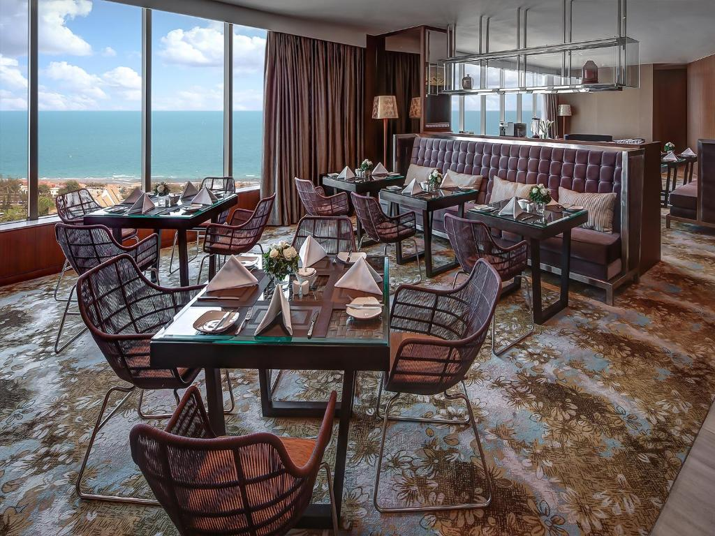 Phòng Suite, Quyền Lui Tới Lounge, 1 Giường Cỡ King