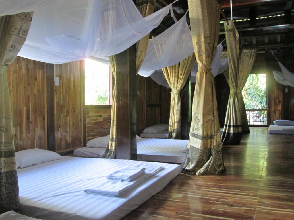 Phòng Ngủ Tập Thể Cho Cả Nam Và Nữ