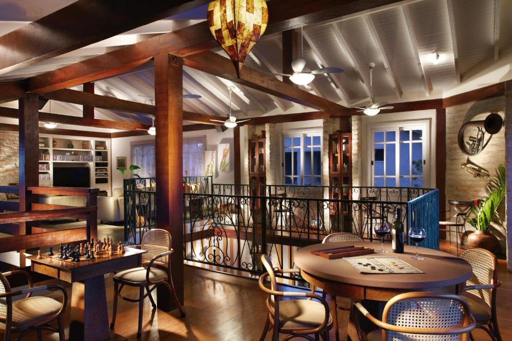 Um restaurante ou outro lugar para comer em Pousada Terra Juquehy