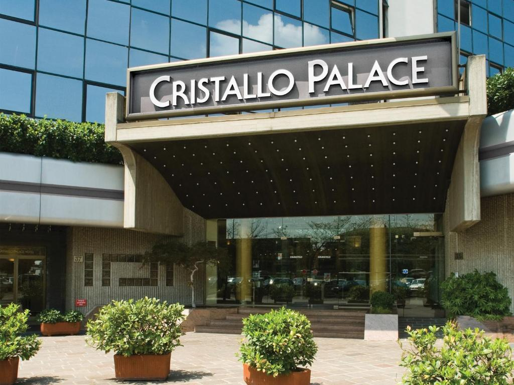 The facade or entrance of Starhotels Cristallo Palace