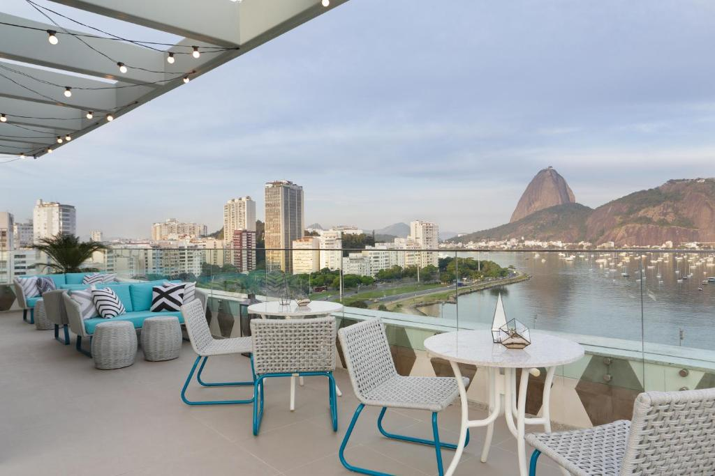 Uma varanda ou outra área externa em Yoo2 Rio de Janeiro by Intercity