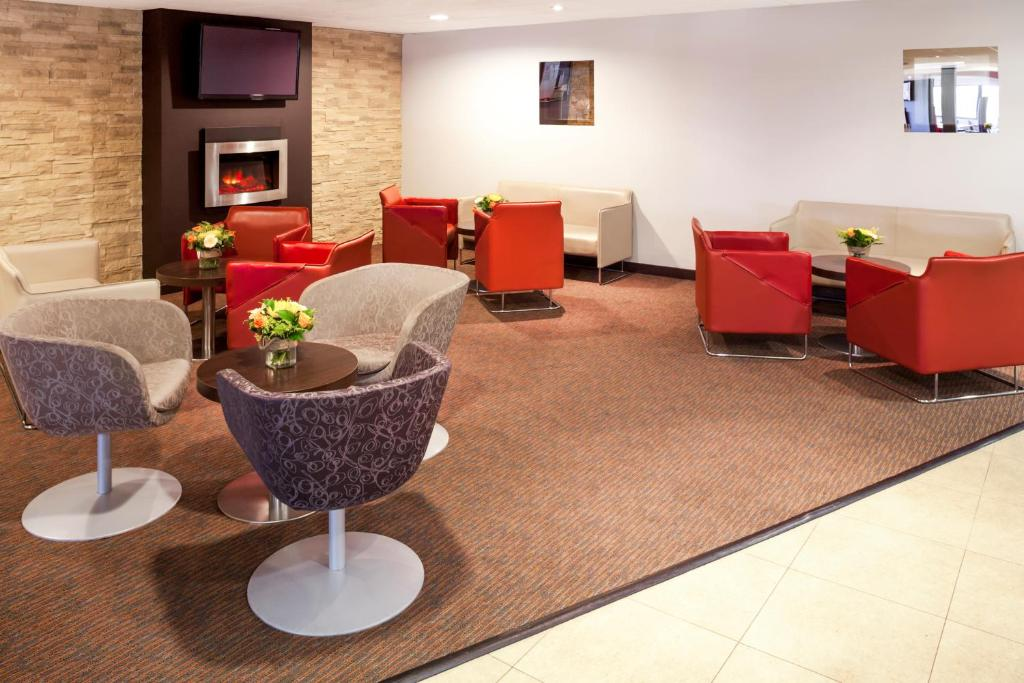 Dublin Airport (DUB) to Green Isle Conference & Leisure Hotel