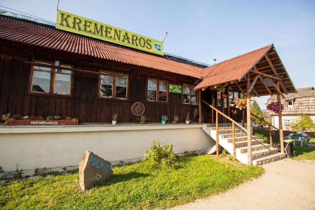 Ogród w obiekcie Kremenaros