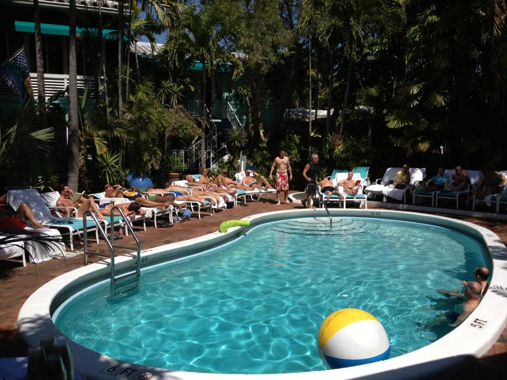 Gay clothing optional resort fort lauderdale