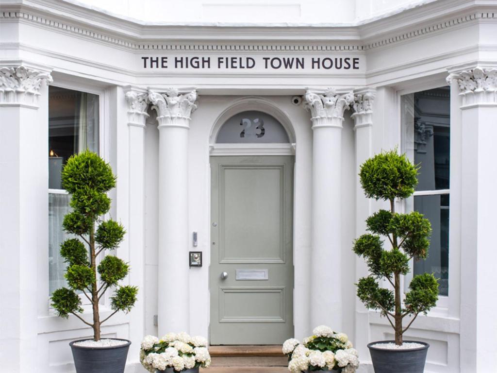 Фасад или вход в The High Field Town House