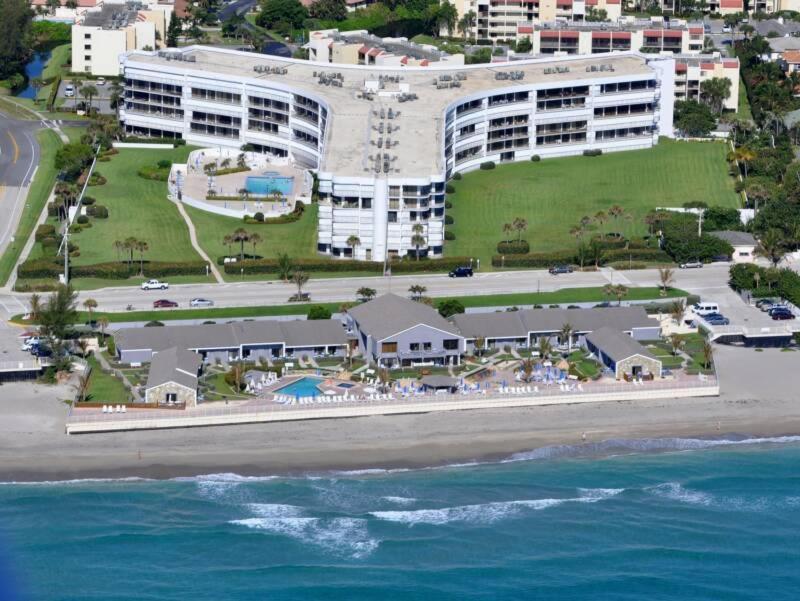 A bird's-eye view of Jupiter Reef Club Resort