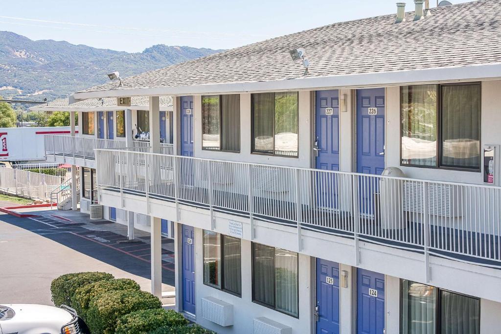 A balcony or terrace at Motel 6 Ukiah