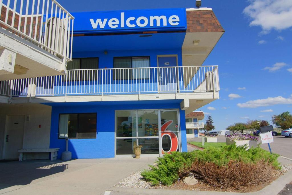 The facade or entrance of Motel 6 Rapid City