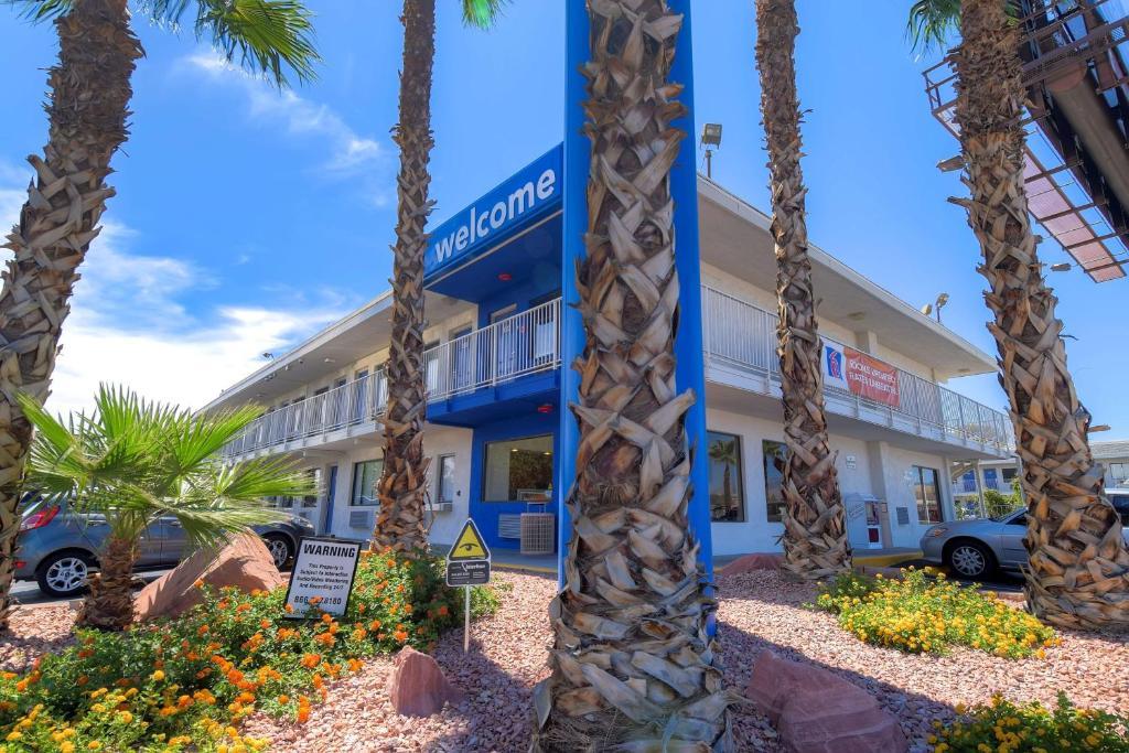 Motel 6 Las Vegas - I-15.