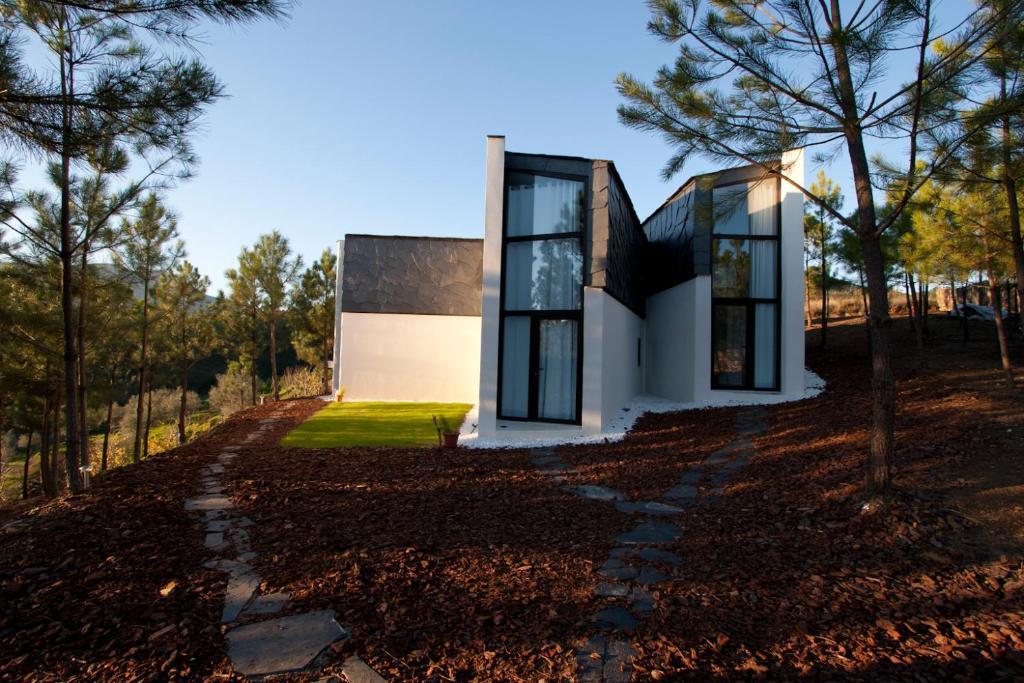 Jardín al aire libre en Akassa Alojamientos Bioclimaticos en las Hurdes