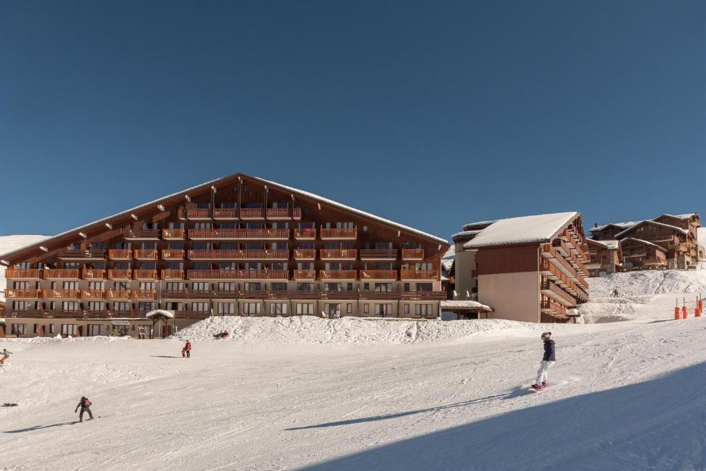 Résidence Pierre & Vacances Le Mont Soleil during the winter