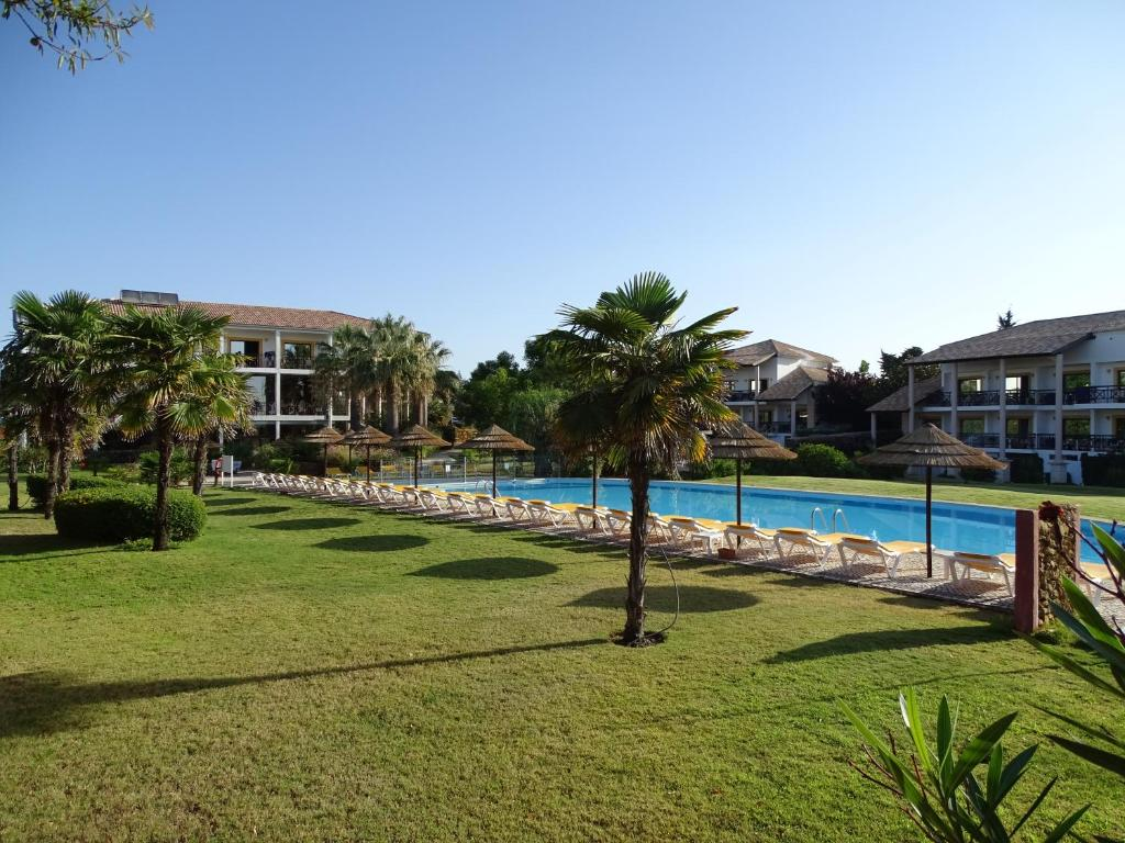 Luzmar Villas (Portugal Luz) - Booking.com
