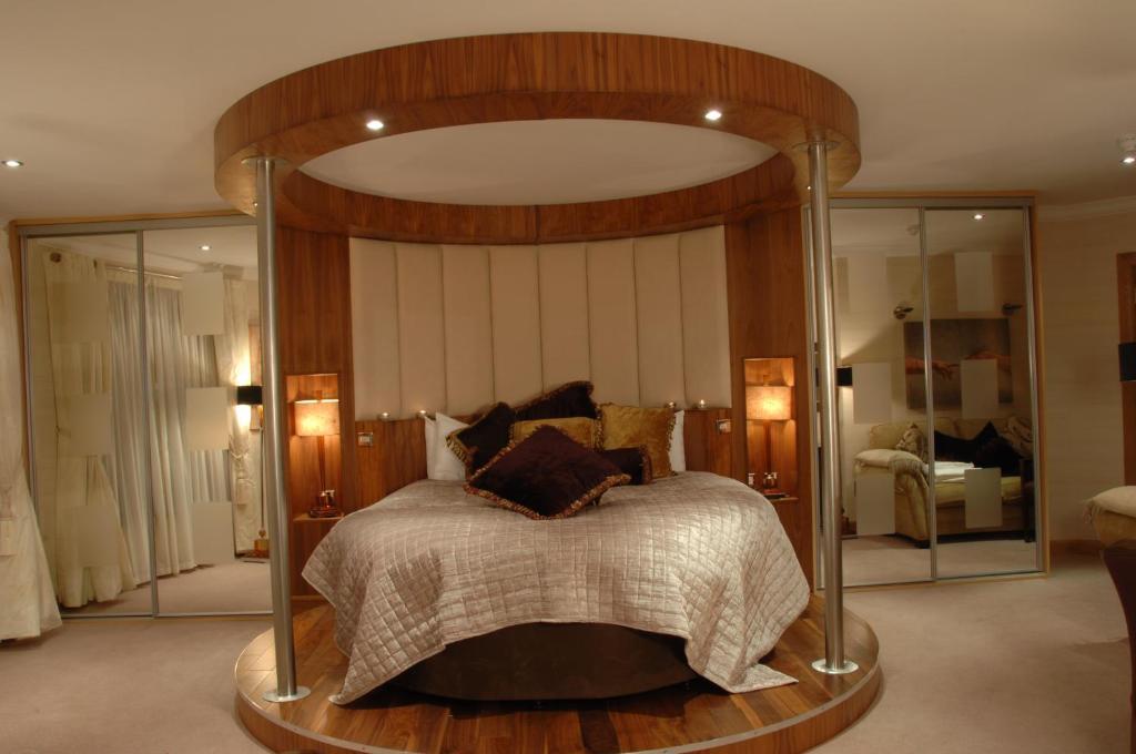 A room at The Villa Rose Hotel & V-Spa