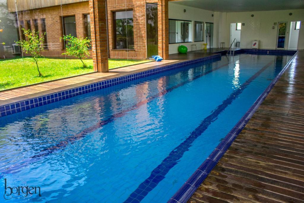 A piscina localizada em Borgen Hotel Restaurante ou nos arredores