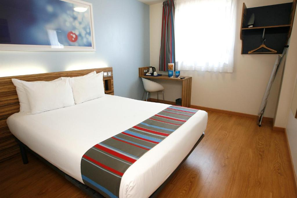 A room at Travelodge Barcelona Poblenou