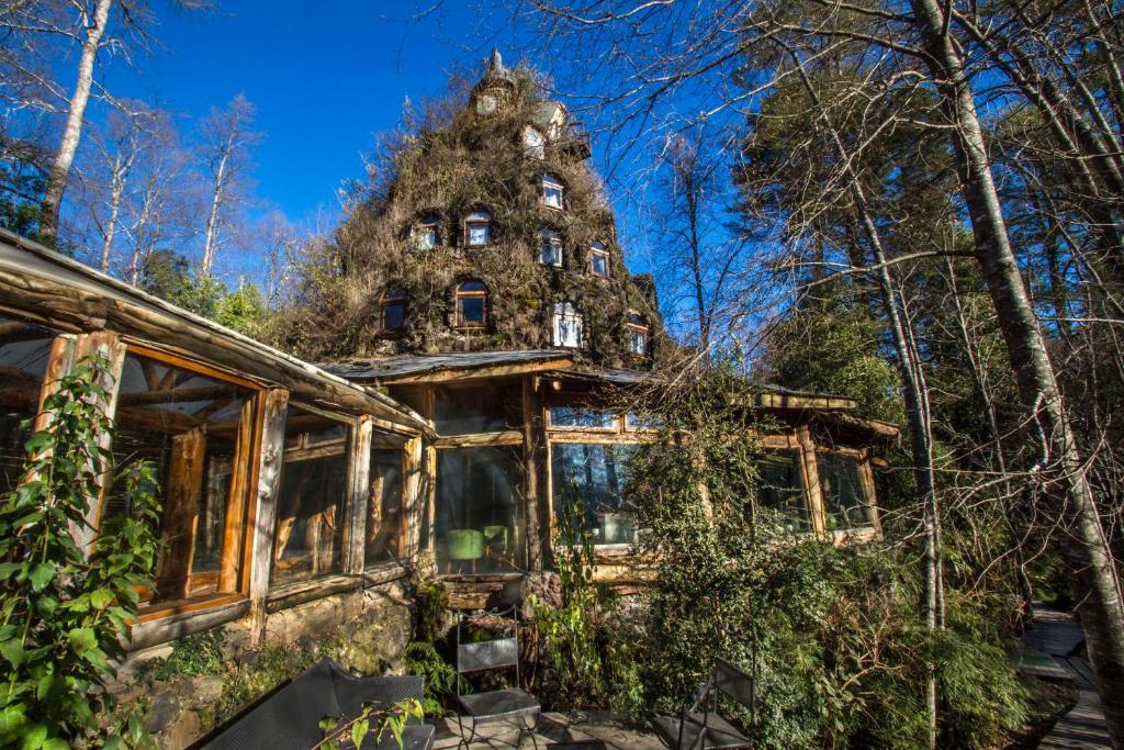 Risultati immagini per 9. Montana Magica Lodge, Chile