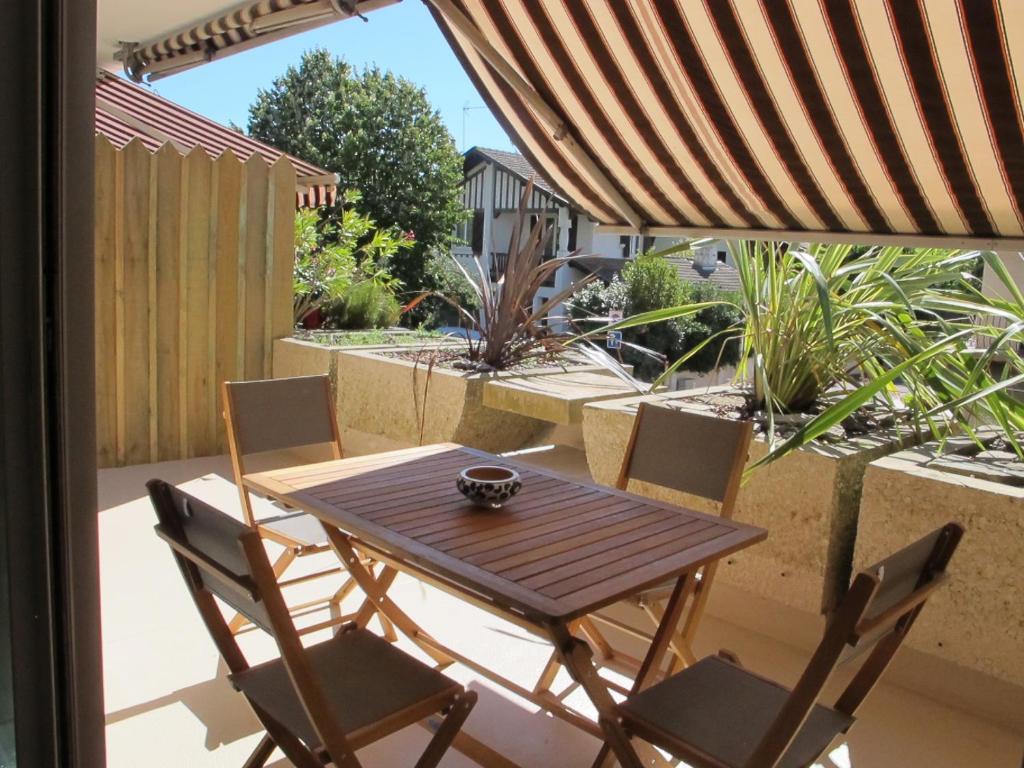 Apartment Les Jardins Du Moulleau Arcachon France Booking Com