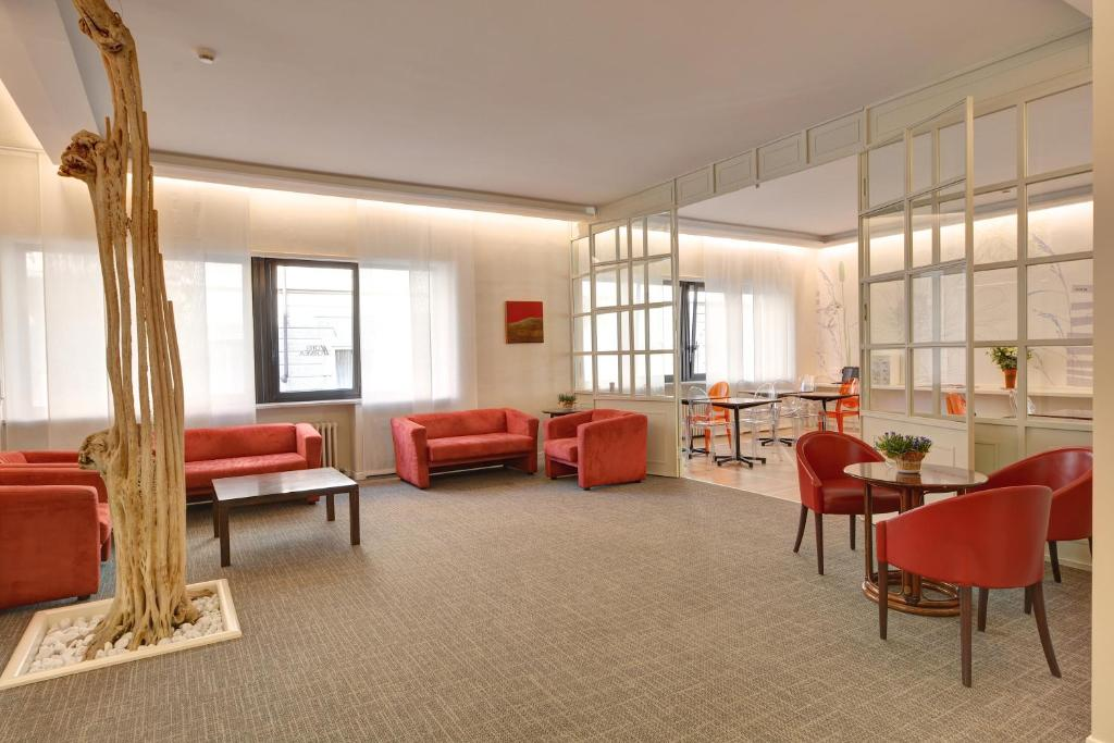 The lounge or bar area at Best Western Hotel Crimea
