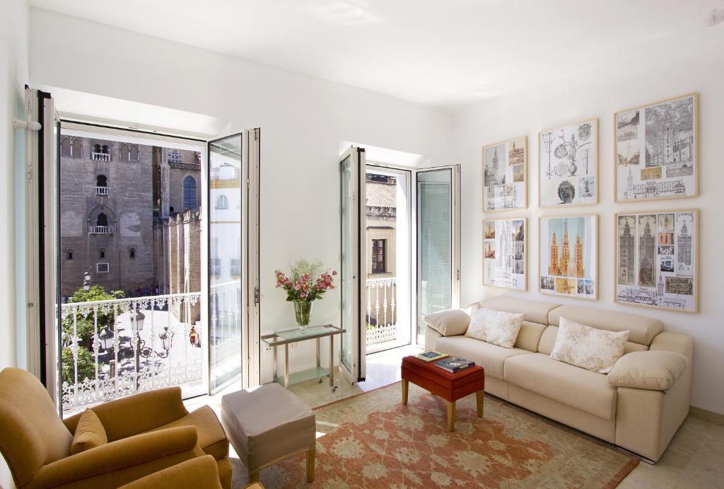 The lounge or bar area at Apartamentos Alemanes Gradas Luxury