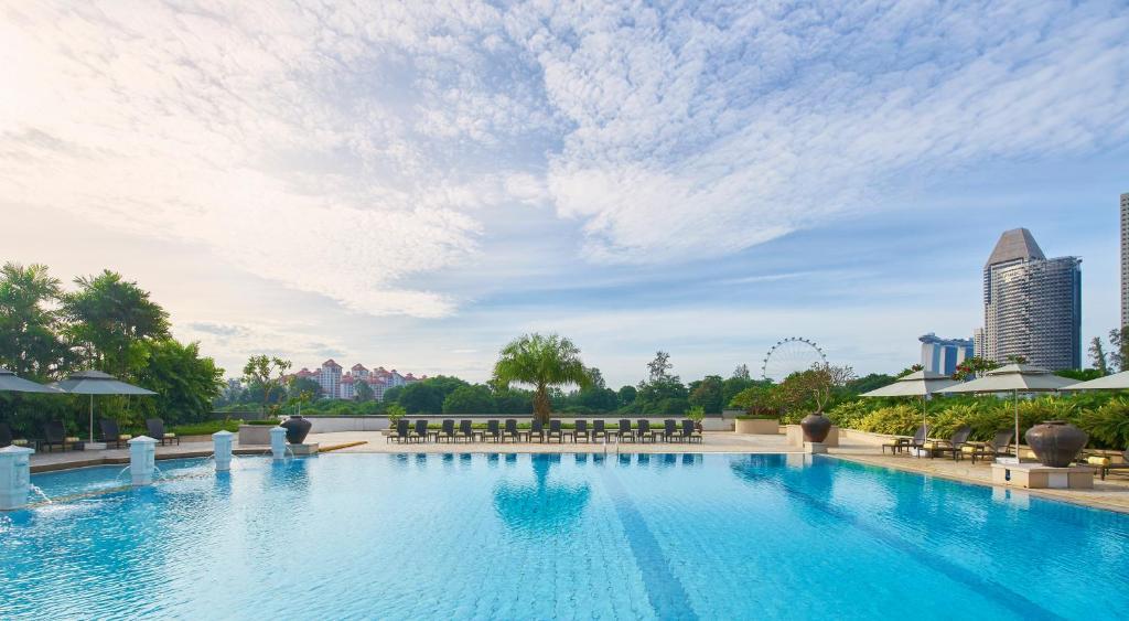 濱海賓樂雅酒店游泳池或附近泳池