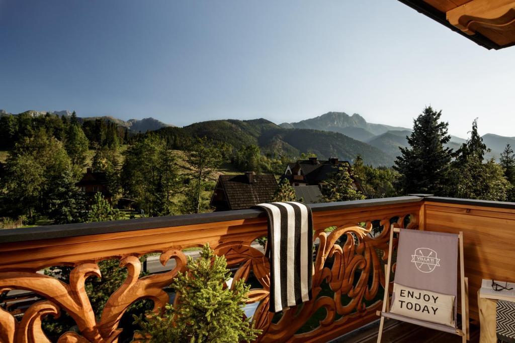 A balcony or terrace at Villa 11 Folk & Design