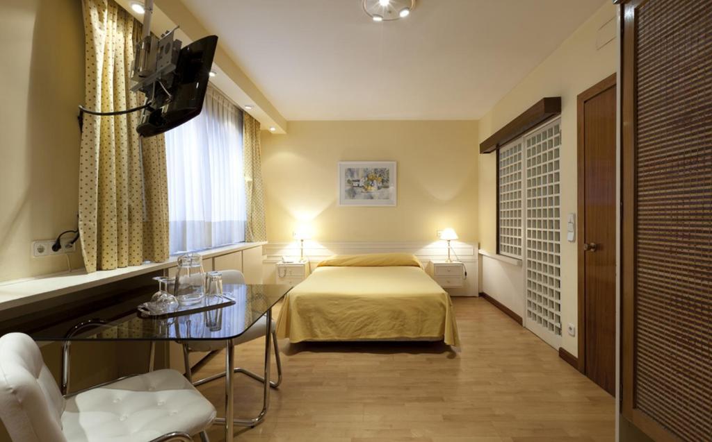 A room at Apartamentos Centro Colón