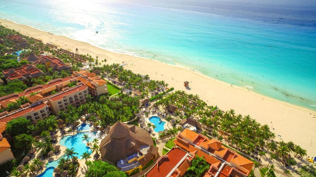 A bird's-eye view of Sandos Playacar Select Club Adults Only- All inclusive