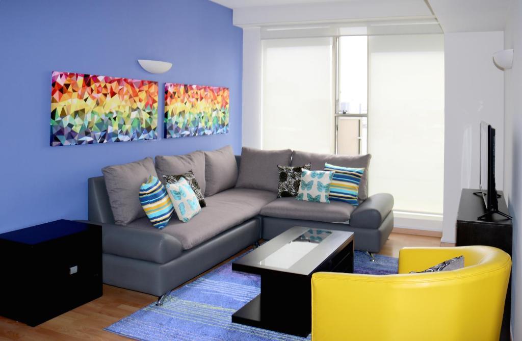 Zona de estar de Puerta Alameda Suites