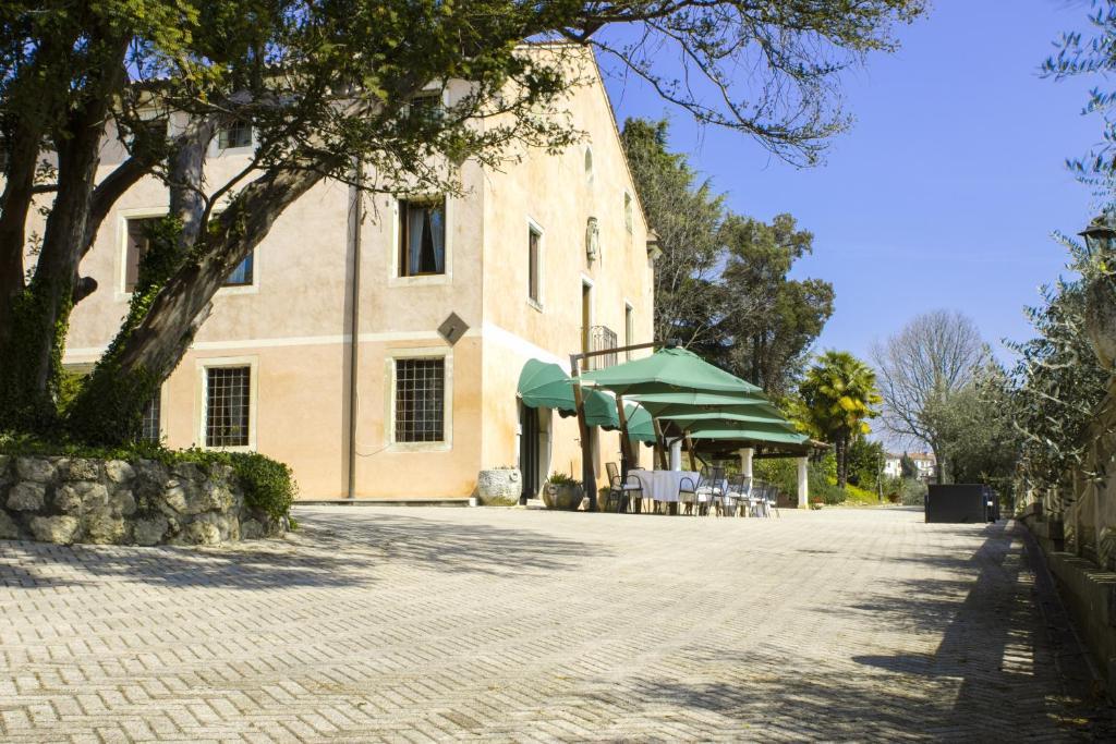 ลานเฉลียงหรือพื้นที่กลางแจ้งของ Locanda degli Ulivi
